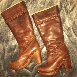 UGG Savanna Boots